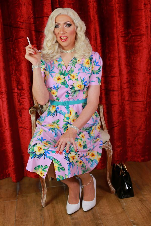 [Fashion] Delayed Frock Tales 1, the Bombshell and the 1976Housewife